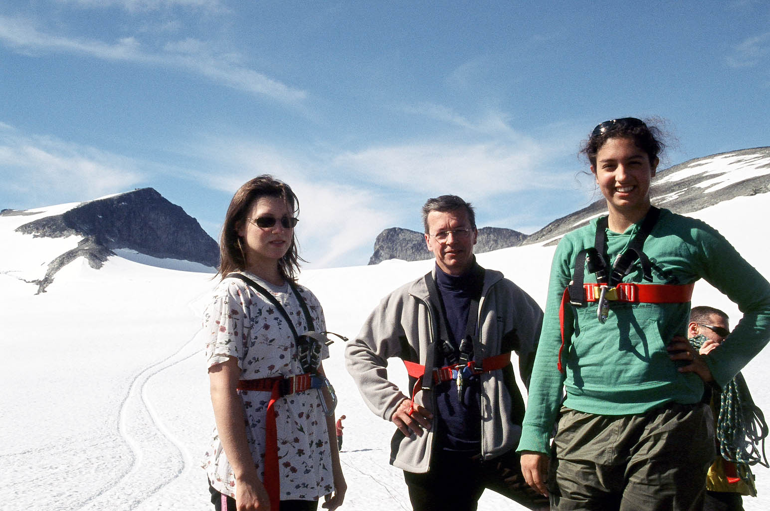 with daughters Melina (sunglasses) and Daphni on Galdhöppigen, the highest mountain in Norway